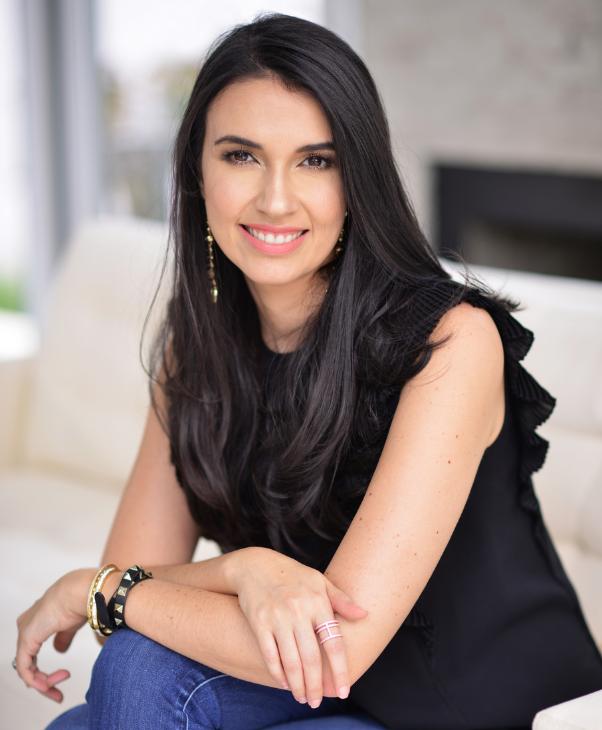 Pamela Ayuso - Contact